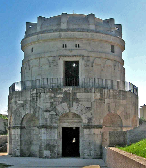 The mausoleum of Theodoric - Click